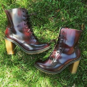 """Dr. Marten """"Sadie"""" Lace Up Boot 🔥"""